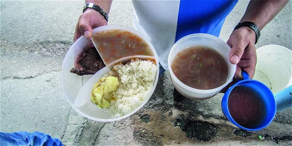 ¡Ojo al dato! Encontraron gusanos y alimentos en descomposición brindados a reclusos