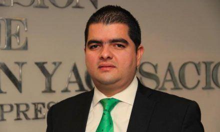 Universidad de Medellín habría retirado el título de abogado al senador Julián Bedoya