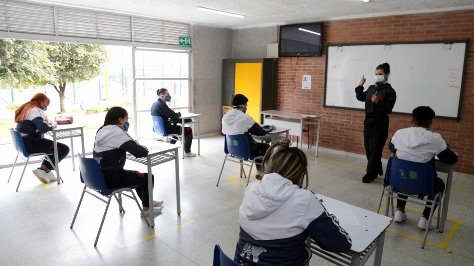 """""""La meta en mayo es tener el 100% de colegios en alternancia"""": MinEducación"""