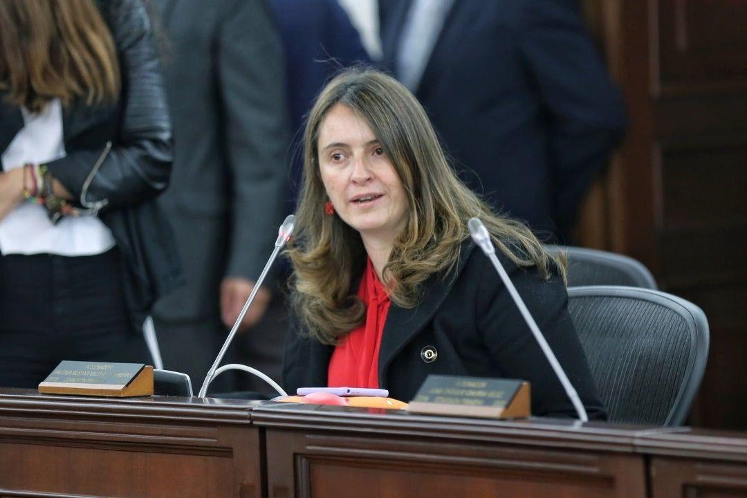 Colombia prohíbe los castigos físicos a niños: ley 'antichancleta' pasa a sanción presidencial