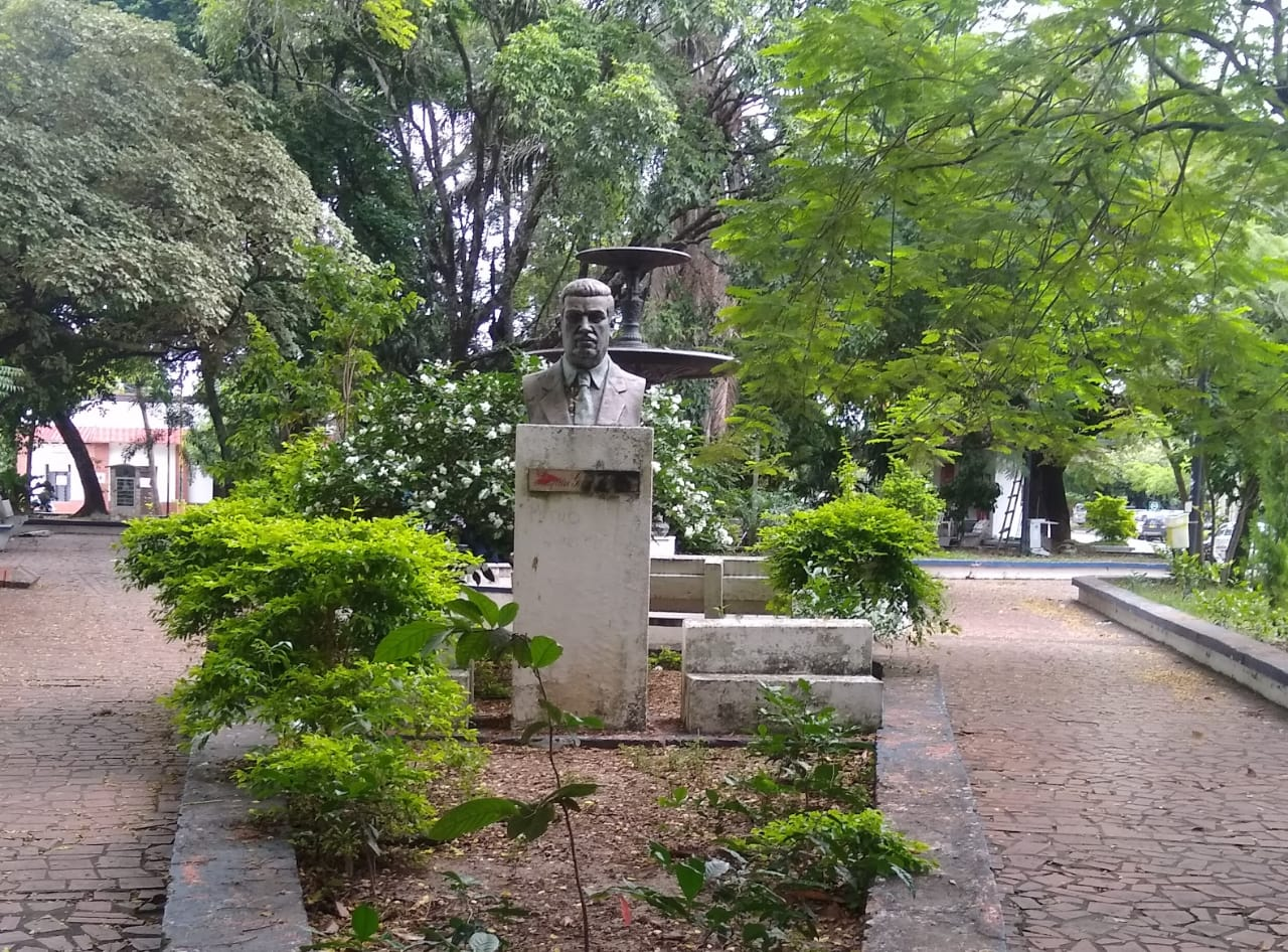 Busto del gobernador Joaquín García Borrero