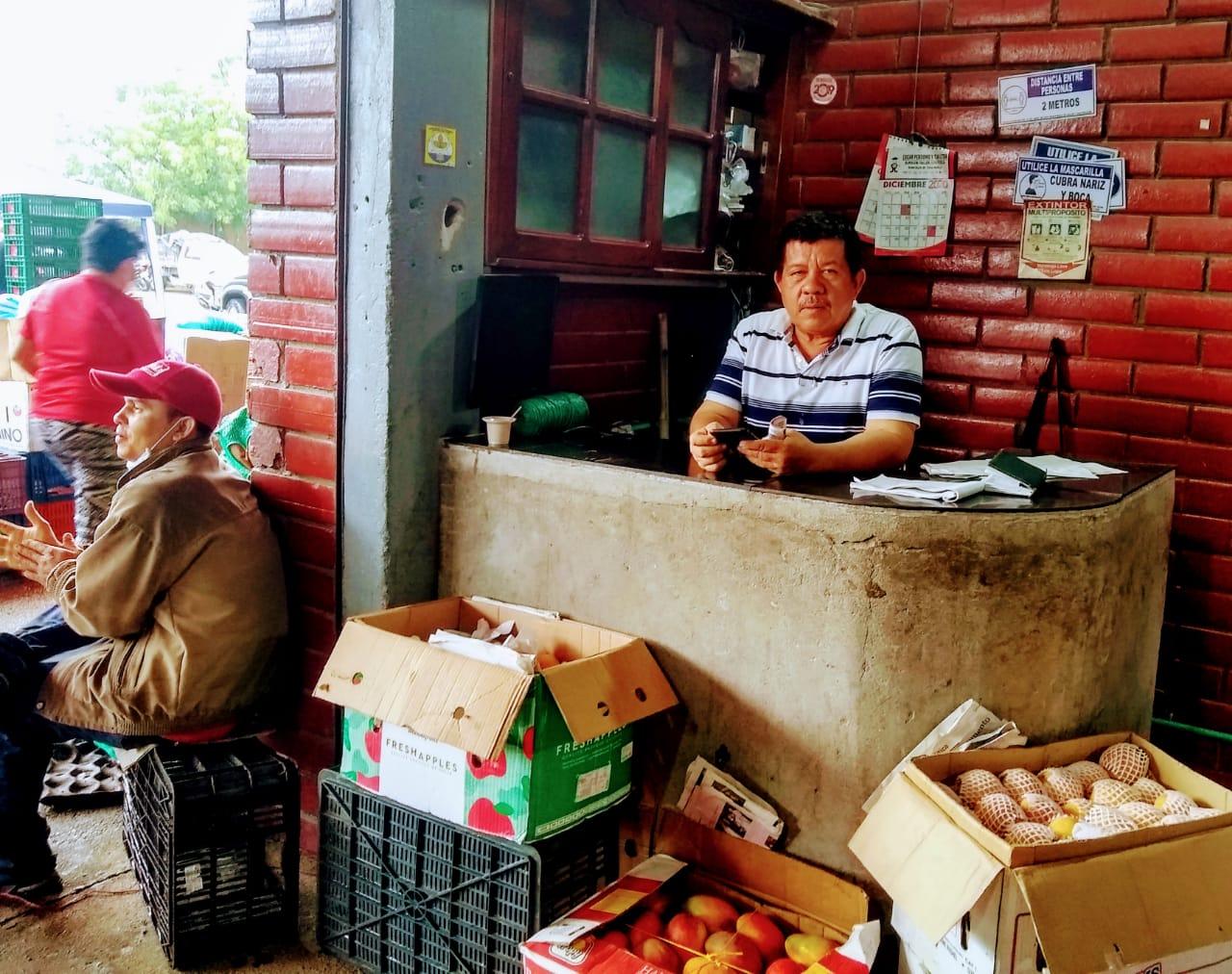 Frutas al por mayor en Surabastos, negocio ya no tan rentable