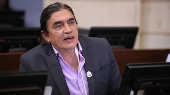 Gustavo Bolívar pide que paro del 28 de abril sea indefinido y no una marcha de 4 horas