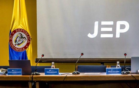Investigarán a magistrado de la JEP por presunto caso de acoso sexual