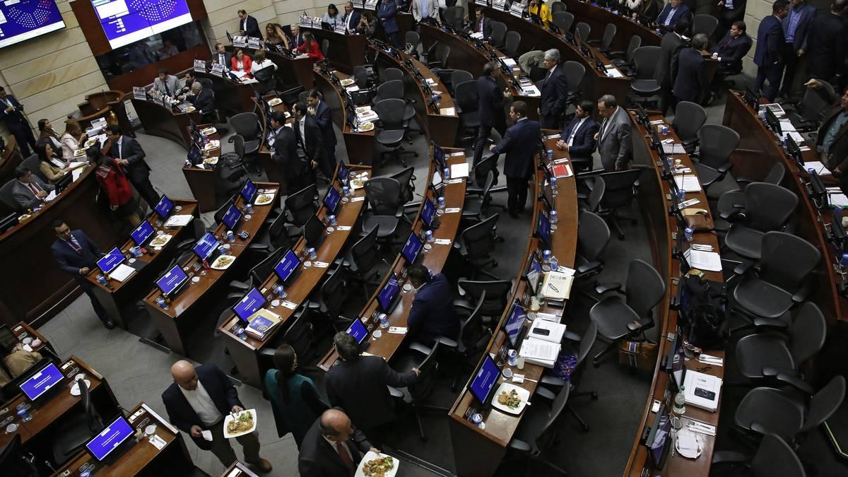 Senado hundió la moción de censura contra ministro de Defensa