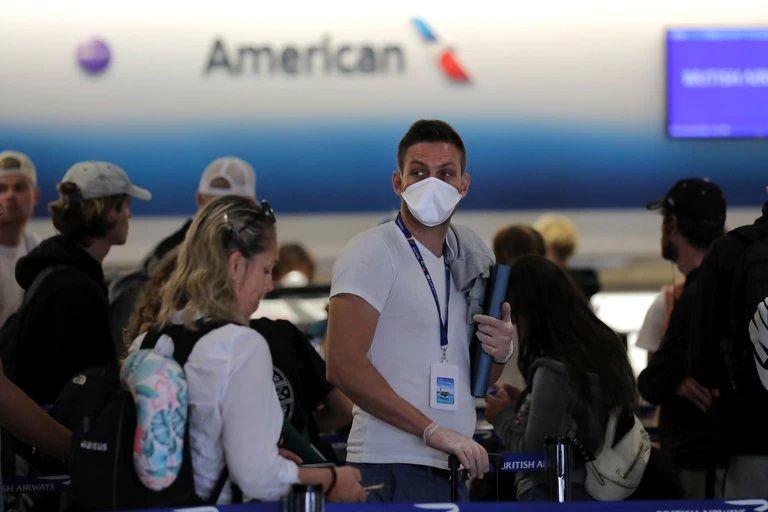 EEUU negó que el país evalúe establecer un pasaporte de vacunación para viajeros