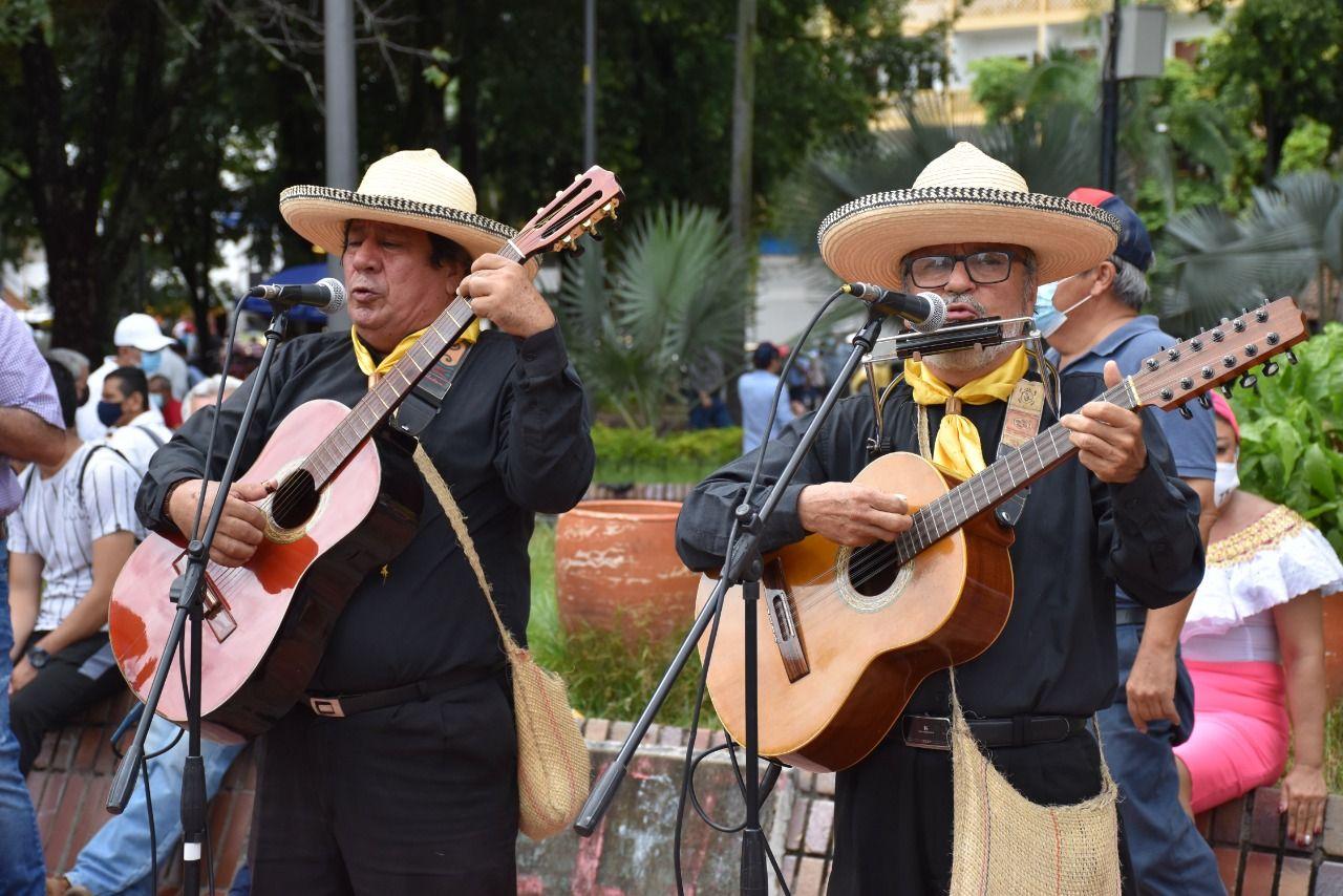 Gestores culturales exigieron mejores salarios para San Pedro