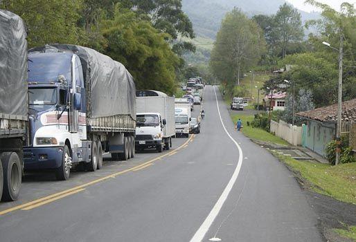 Ganaderos rechazan bloqueo de carreteras