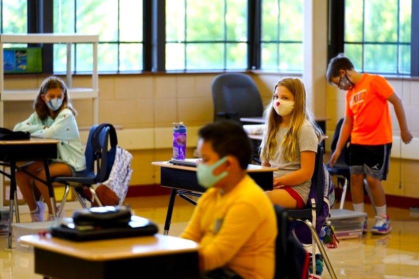 Recomendaron que en las escuelas de EE.UU. se sigan usando mascarillas