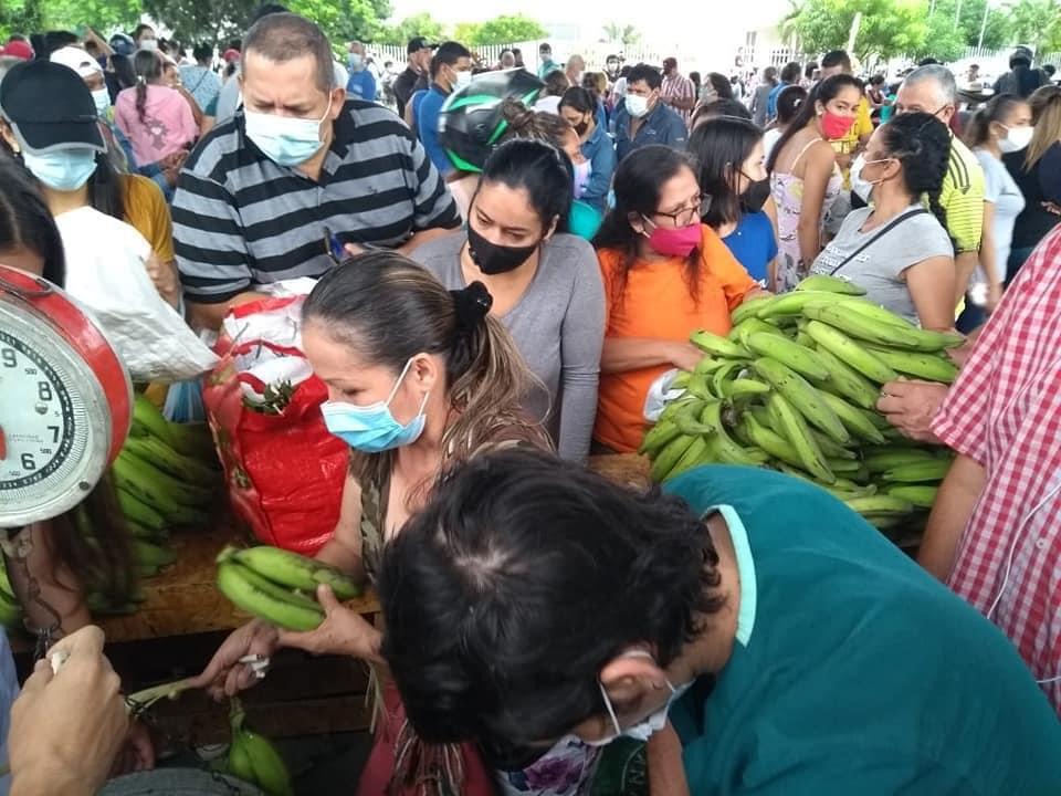 En mercado campesino de El Tizón faltaron productos y organización
