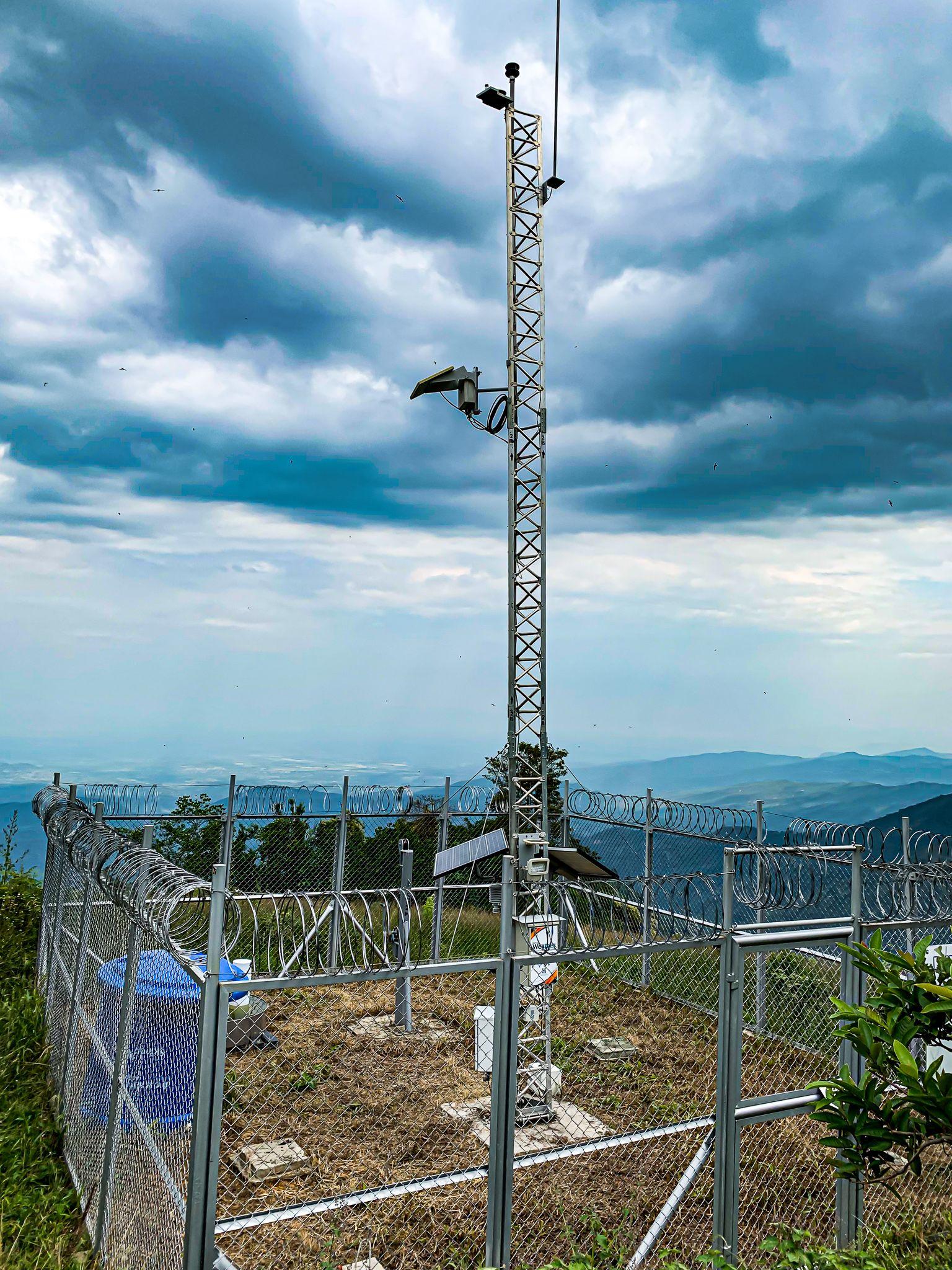 ¿Por qué es importante desplegar infraestructura de comunicaciones en los municipios?