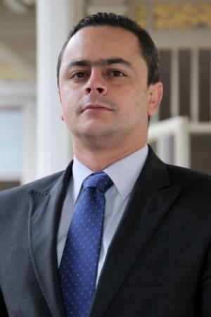 Presidente designa nuevo comisionado para la Paz