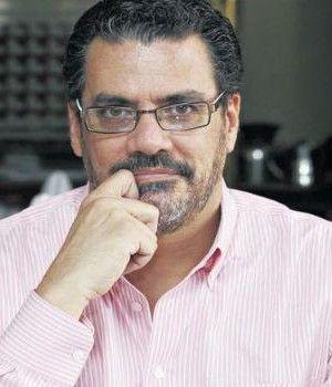 Ofrecen a Mauricio Vargas Embajada en Francia