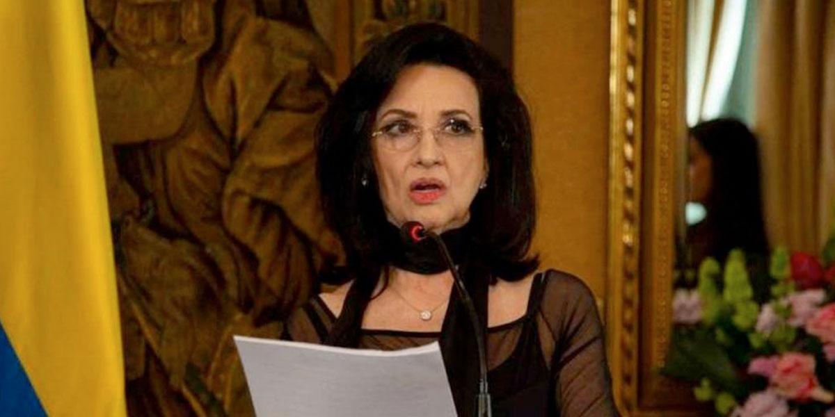 Canciller Claudia Blum presentó su renuncia