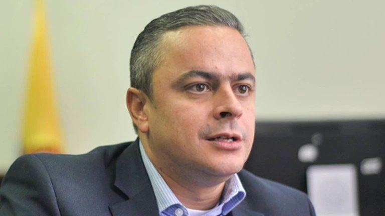 Juan Camilo Restrepo, nuevo comisionado para la paz