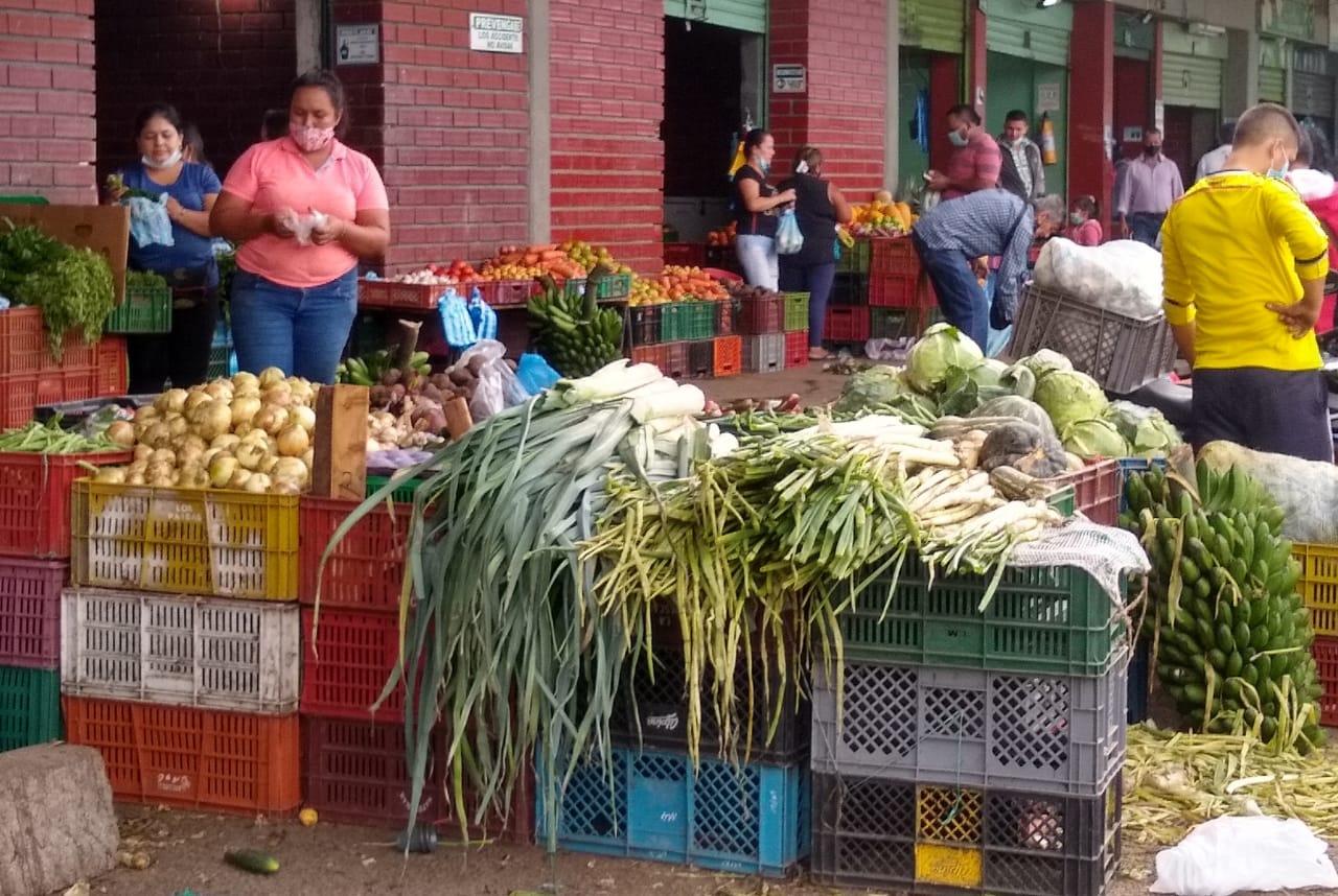 Relativa normalidad en mercado de la central mayorista y la plaza minorista de Mercaneiva