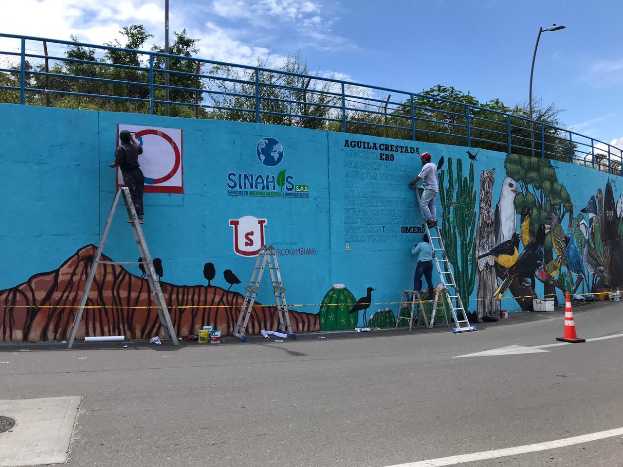 Mural homenaje a los pájaros en el intercambiador de la USCO