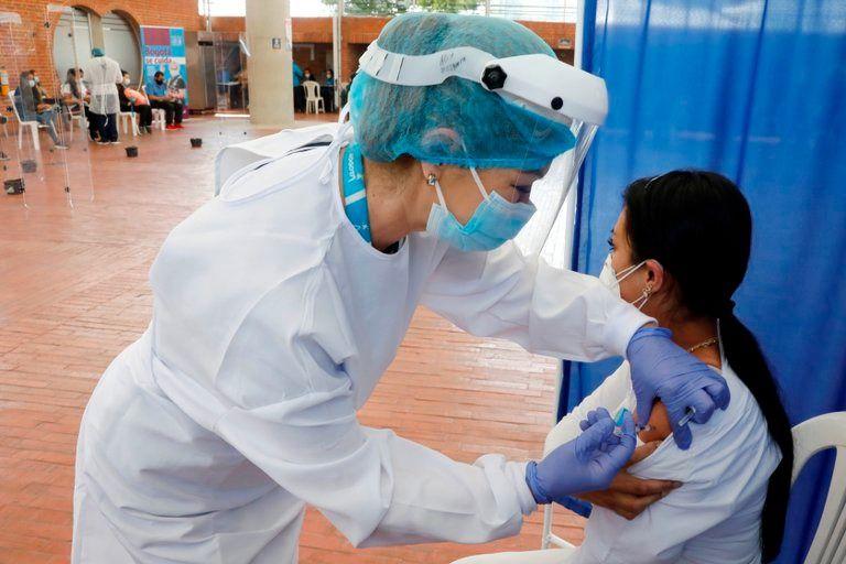 Gobierno espera llegar a 10 millones de vacunados al término de mayo