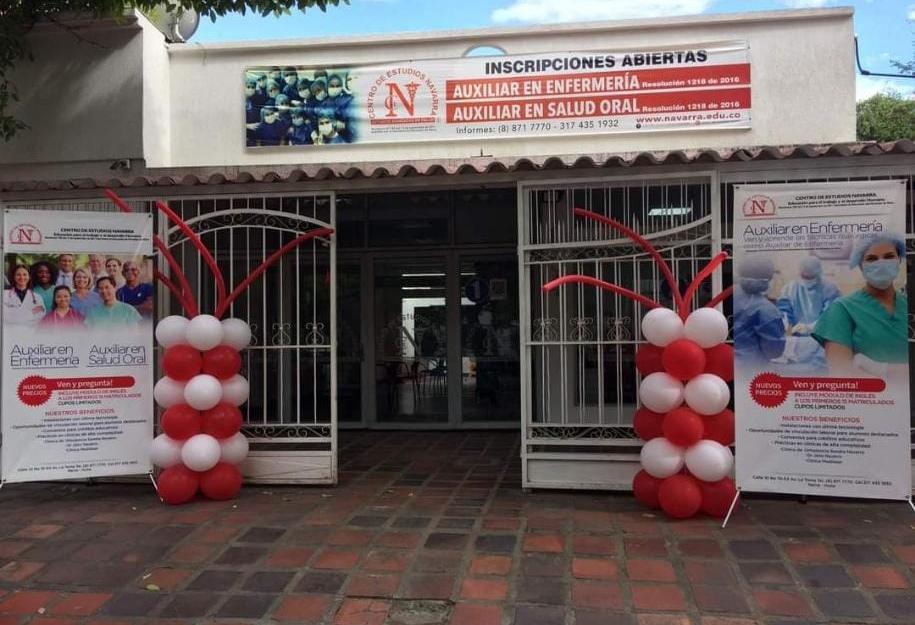 Estudiantes exigen respuestas al Centro de Estudios Navarra