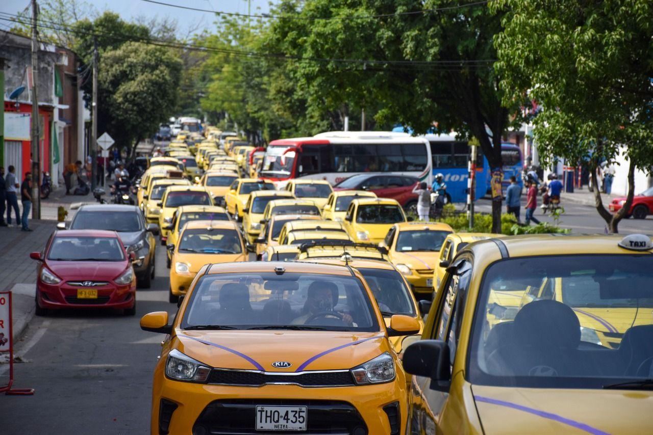 Ingresos de taxistas han disminuido por el Paro Nacional