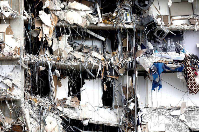 Se derrumbó un edificio residencial en Miami: al menos un muerto y 99 desaparecidos