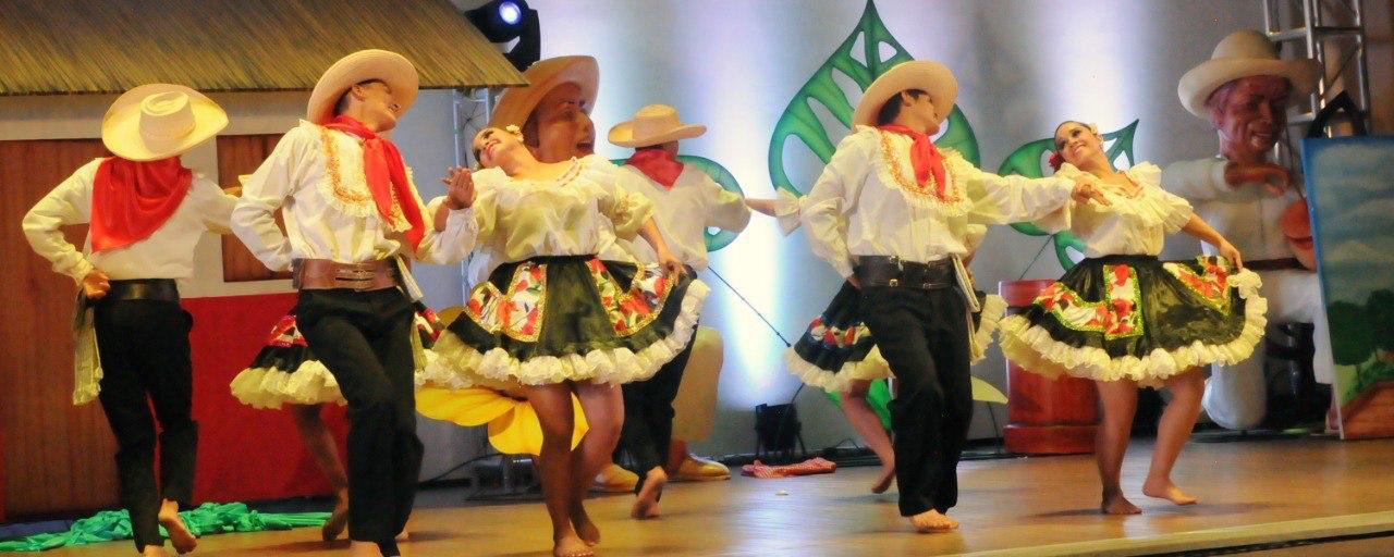 Danzas brillaron en el Encuentro departamental 'César Marino Andrade'