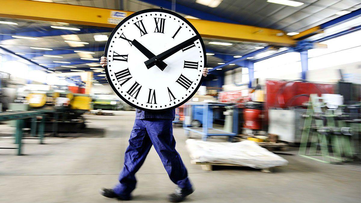 Reducen la jornada laboral ¿Aumentará el desempleo?