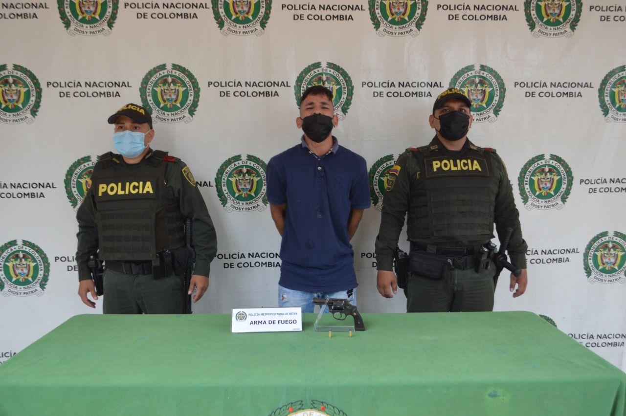 """Pillado alias """"Tolima"""" con un arma de fuego ilegal"""