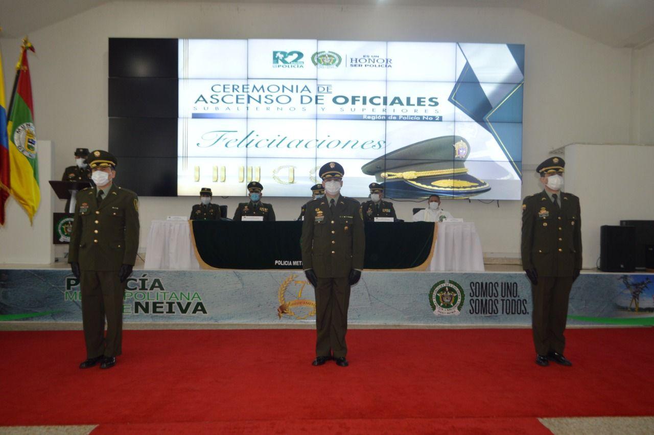 Ascienden oficiales de la Policía Metropolitana de Neiva
