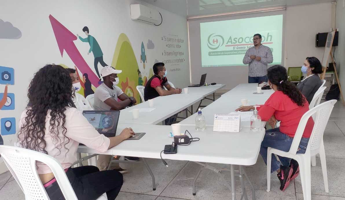 OIM y Asocooph apoyan a organizaciones solidarias de reinsertados en Huila, Tolima y Caquetá
