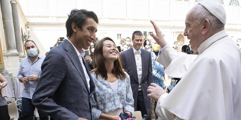 Egan le regaló una bicicleta al Papa