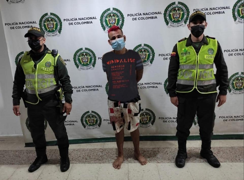 Lo encontraron herido, pero era buscado por porte ilegal de armas