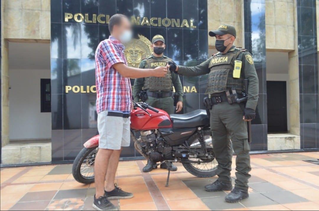 Recuperada moto robada en atraco