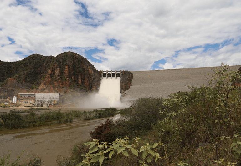 Abren compuertas de El Quimbo para evitar crecientes