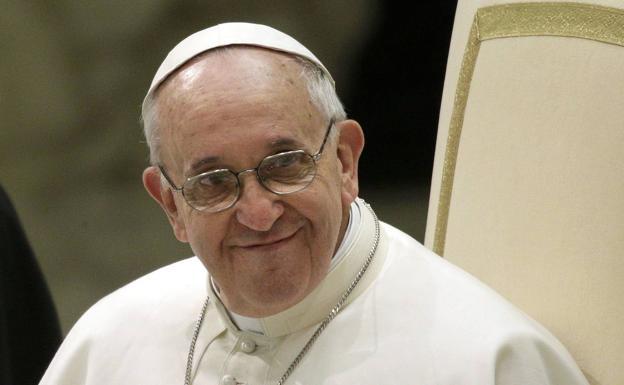 Operan con éxito al papa Francisco: el pontífice permanecerá hospitalizado una semana