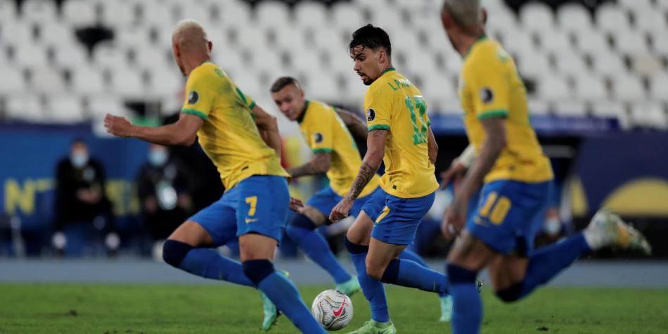 Brasil, primer finalista de la Copa América tras derrotar a Perú