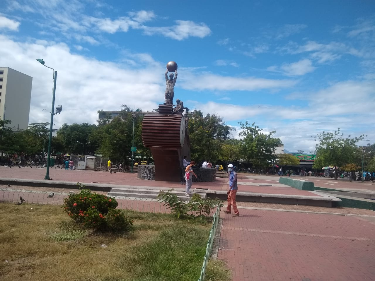 Plaza Cívica Los Libertadores, de todos y de nadie