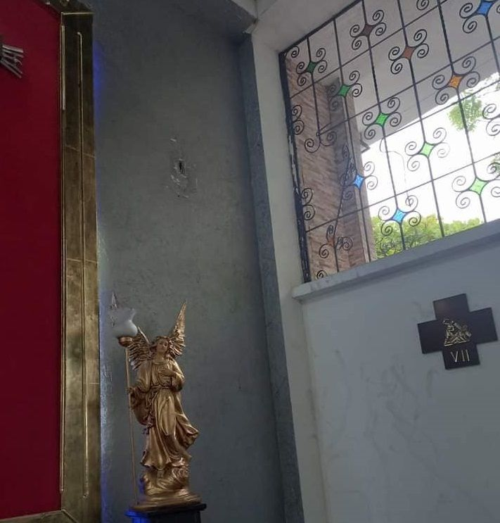 Profanan templo del barrio Quebraditas
