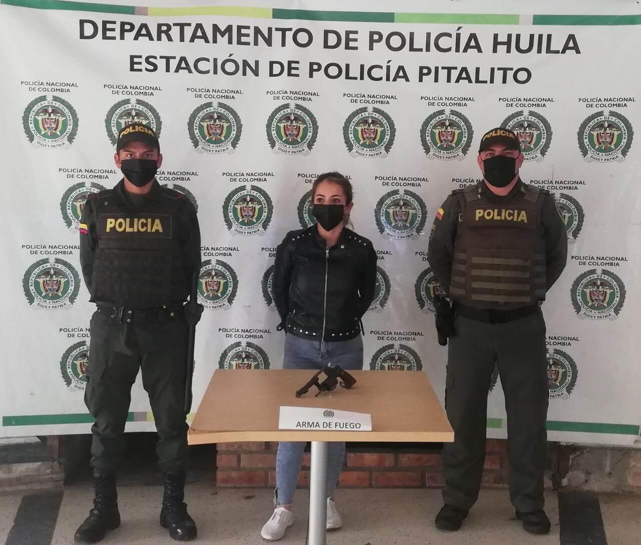 Capturada portando un arma de fuego en la zona rosa de Pitalito