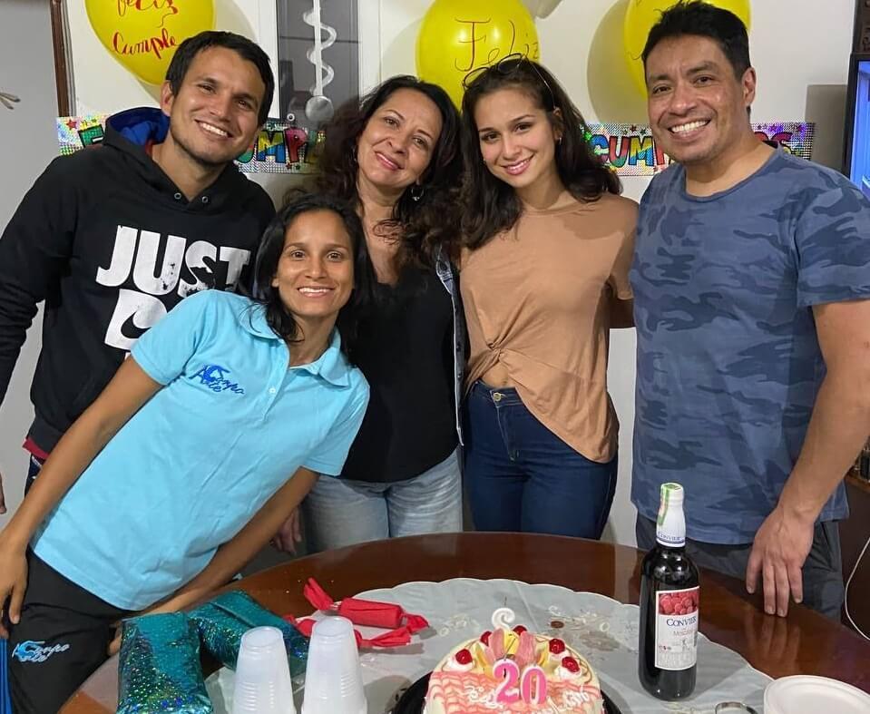 Celebrando un año más de vida de Gabriela Vásquez