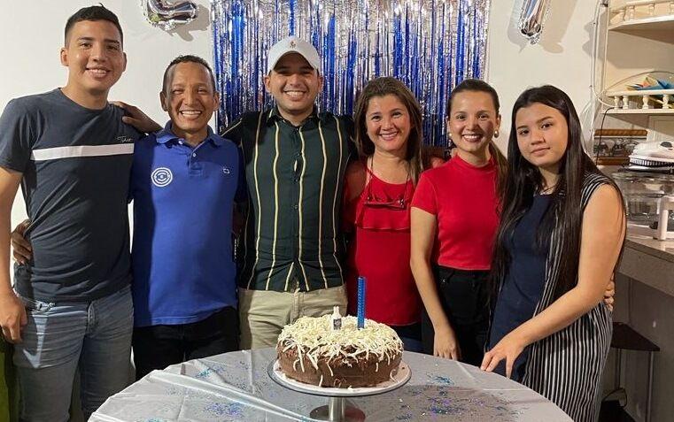 Celebración de Oscar Cadena