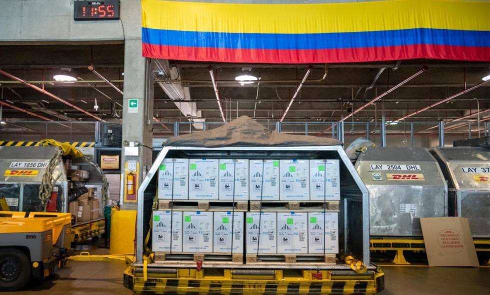 Llega a Colombia lote con más de 443 mil dosis de la vacuna de Pfizer