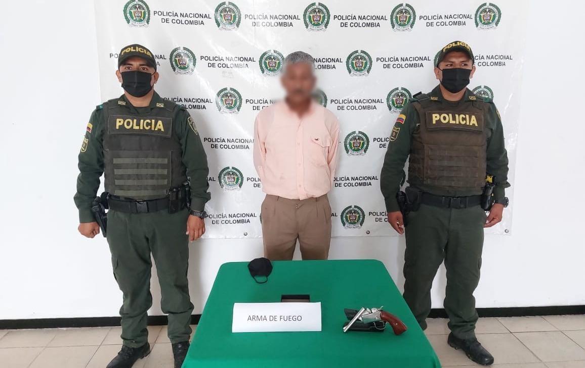 Con un arma de fuego ilegal fue capturado en Rivera