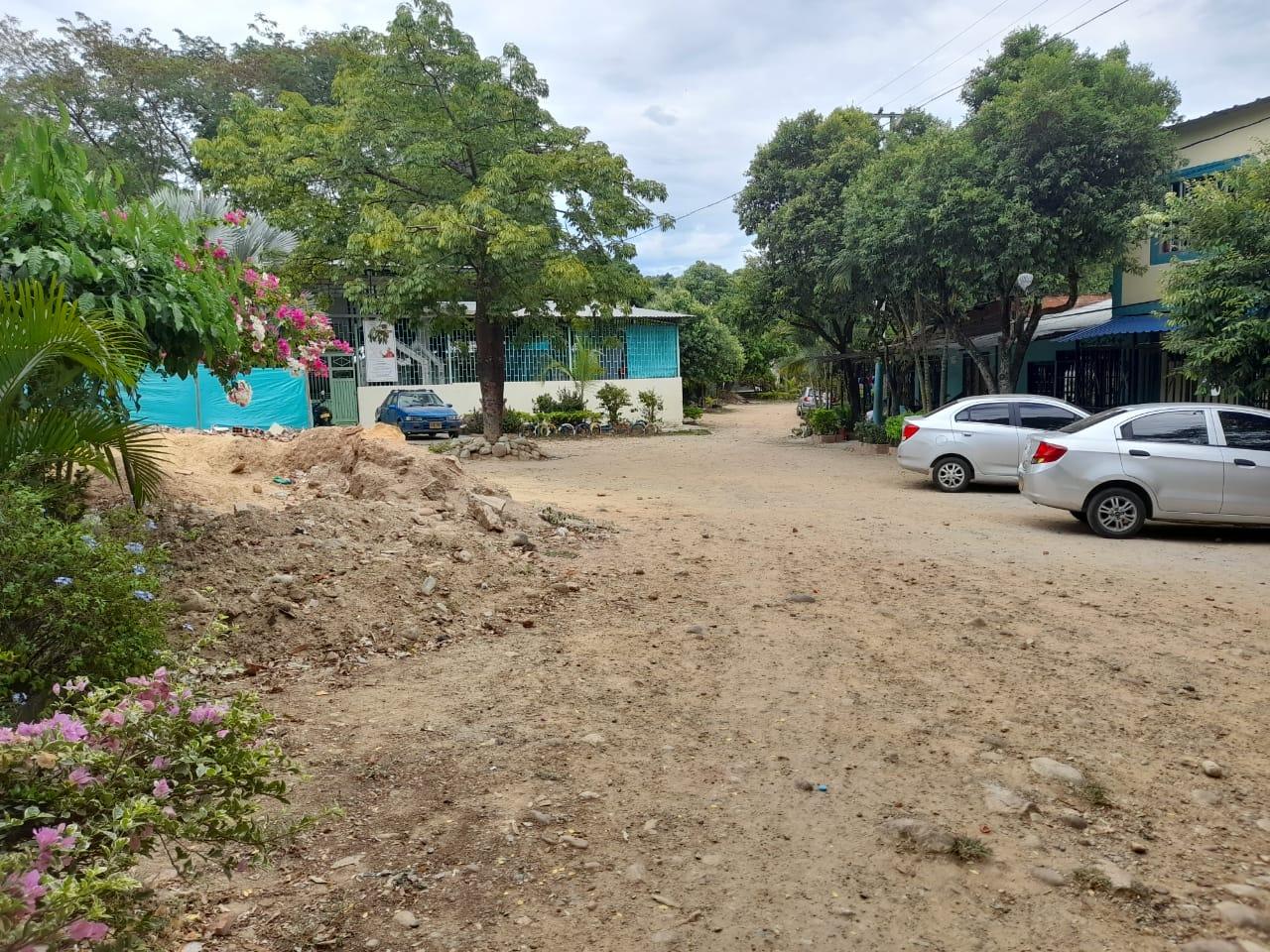 Comunidad en el barrio Las Camelias de Neiva espera el arreglo de sus vías