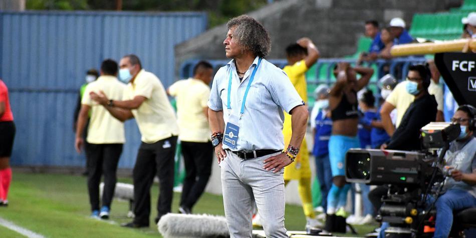 Alberto Gamero renovó con Millonarios