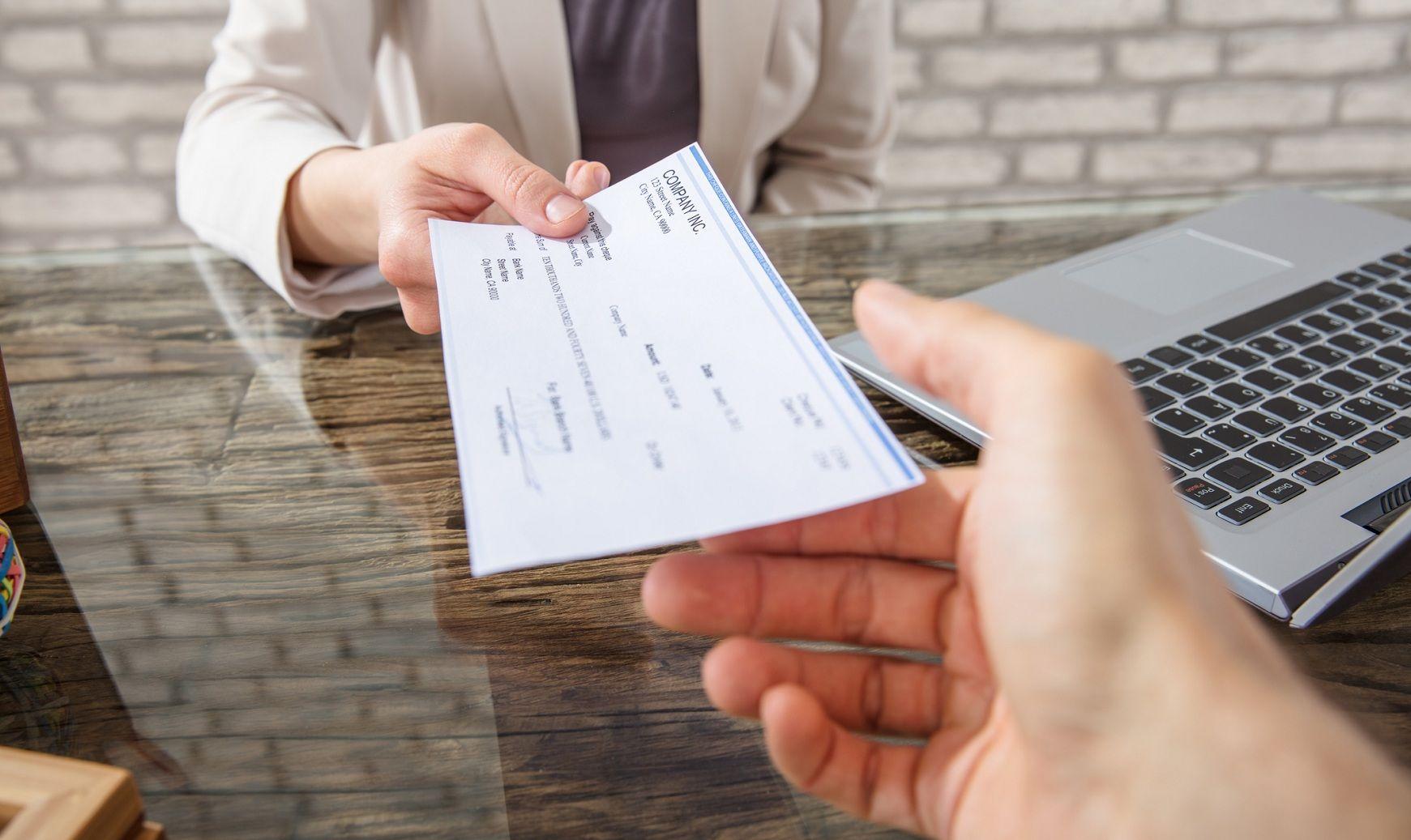 Deudas que colombianos no podrían pagar: Microcréditos y préstamos personales