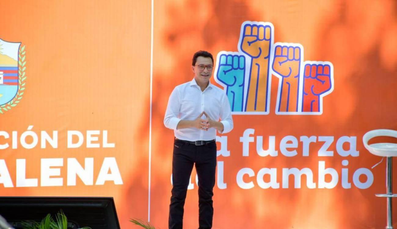 Clan del Golfo amenaza a Carlos Caicedo y lo obliga a salir de Colombia