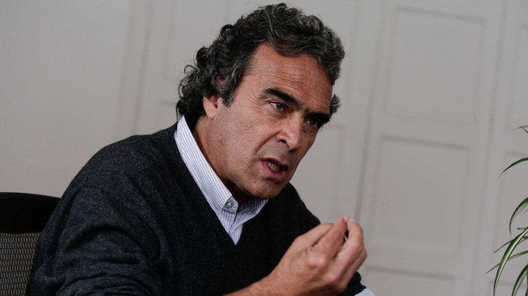 Fiscalía acusa a Fajardo por posible préstamo irregular
