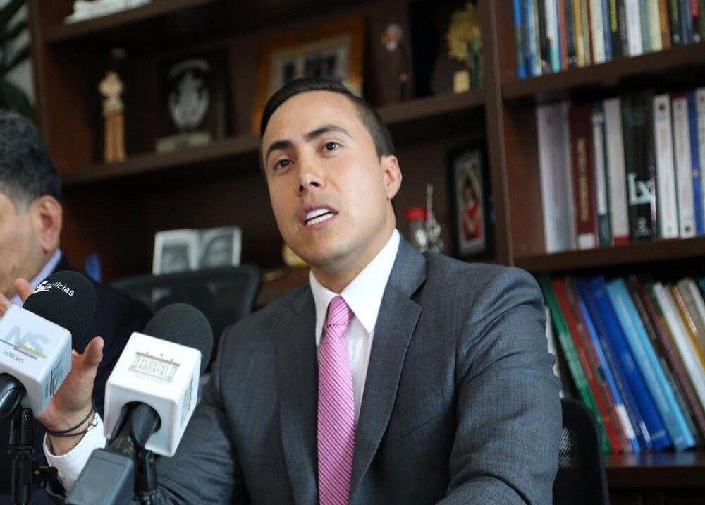 Richard Aguilar renunció formalmente a su cargo como senador de la República