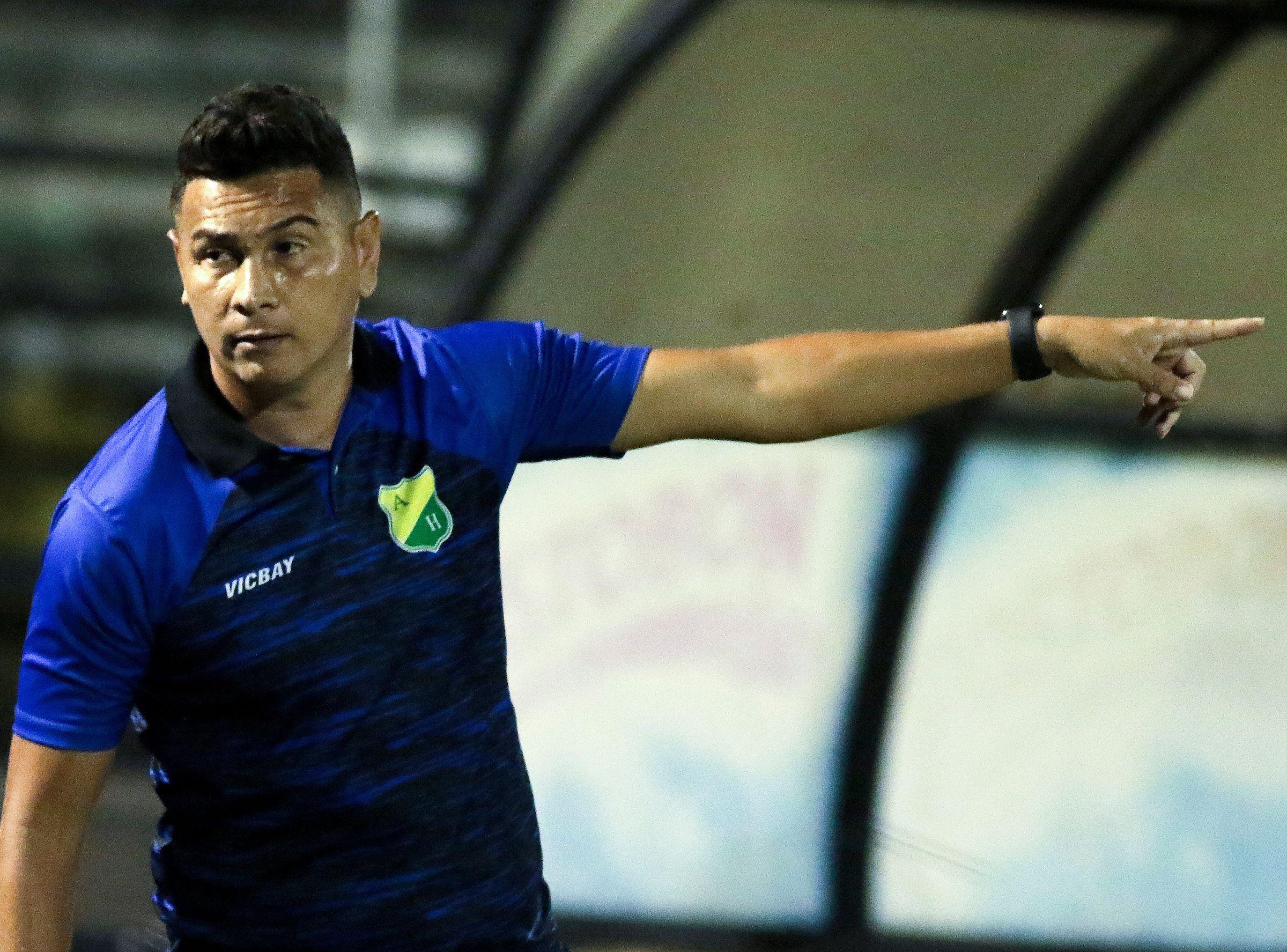 Dayron Pérez renunció a la dirección técnica del Atlético Huila